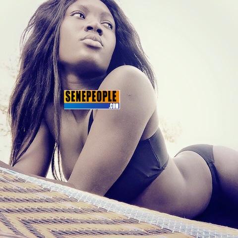 Ebene Diop en bikini anticipe sur l'été