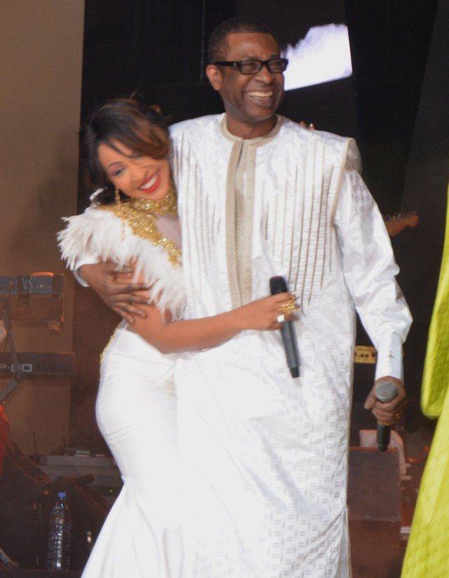 """Youssou Ndour fait pleurer Vivi :"""" Quand je t'ai connu, Bouba Ndour ne te connaissait pas…"""